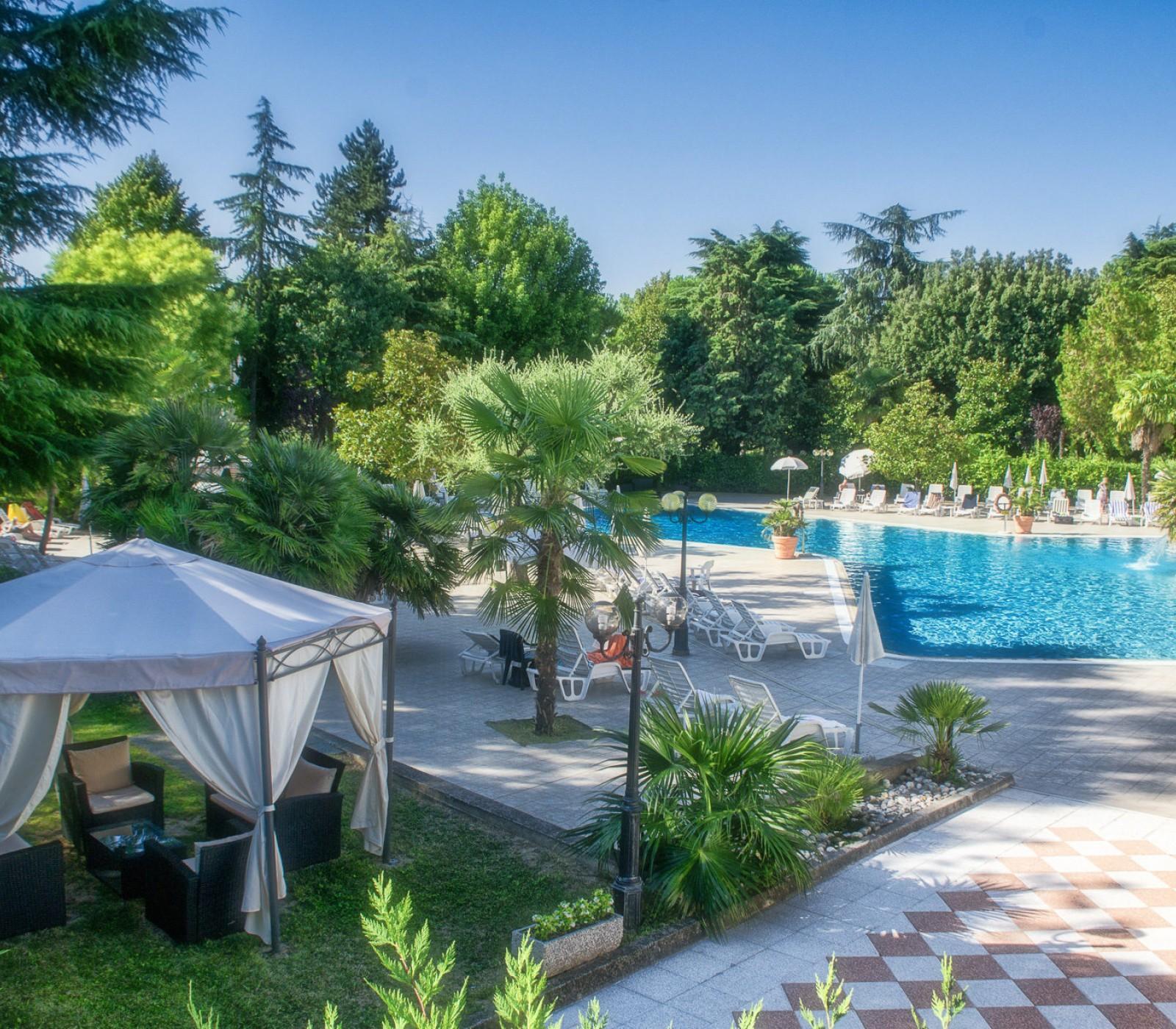 Piscina acqua termale abano hotel con piscina abano terme hotel terme internazionale ad abano - Hotel con piscina termale toscana ...